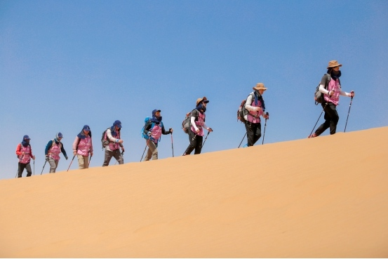 """心系环保事业 """"开能杯""""第五届中国环保沙漠挑战赛在腾格里开赛"""