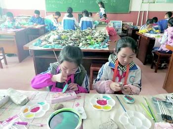 青岛小学生课后托管政府埋单 约20万学生参与