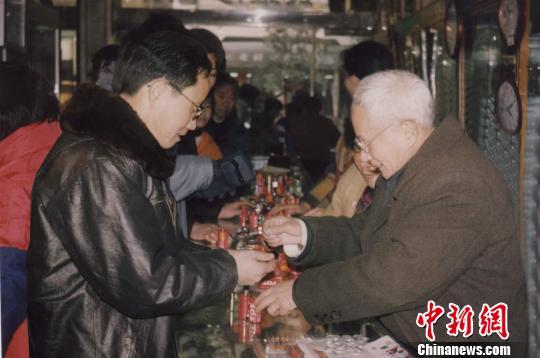 """但求山水共清明 浙江88岁老翁""""痴心""""环保19载"""
