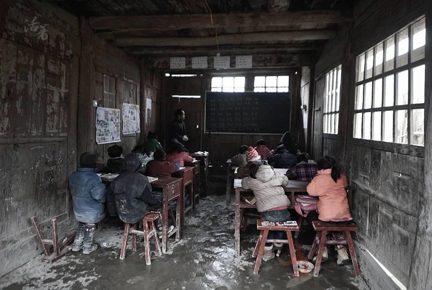 母子合力支教支持侗乡教育